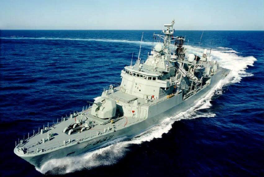 Fragata Corte-Real parte para missão da NATO liderada por almirante português