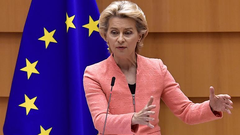 Von der Leyen defende salário mínimo para todos na Europa