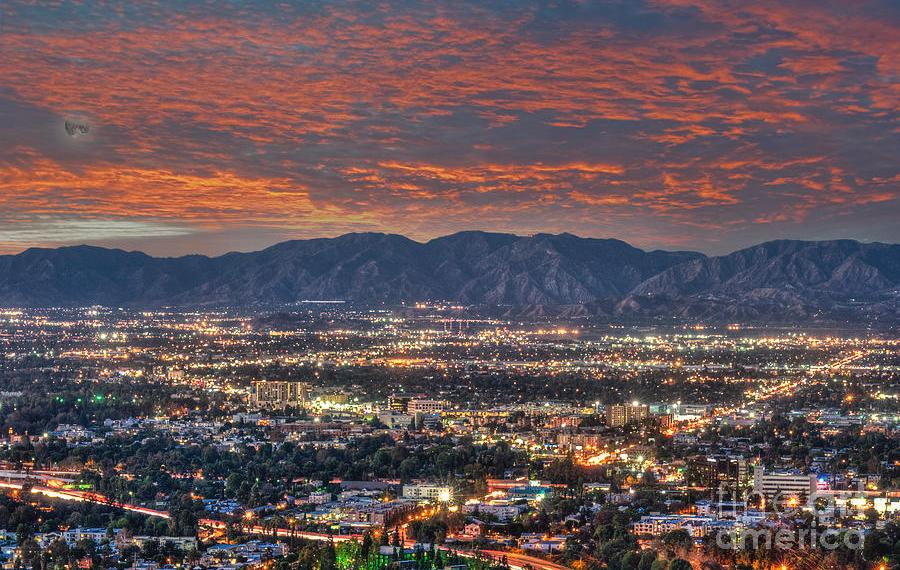Mais do que um subúrbio grande e plano: Porque San Fernando Valley é tão importante para a história da Califórnia