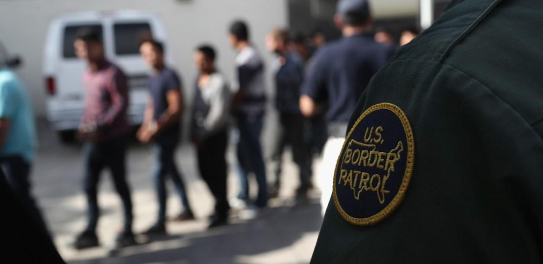 Estados Unidos deportam centenas de imigrantes ilegais