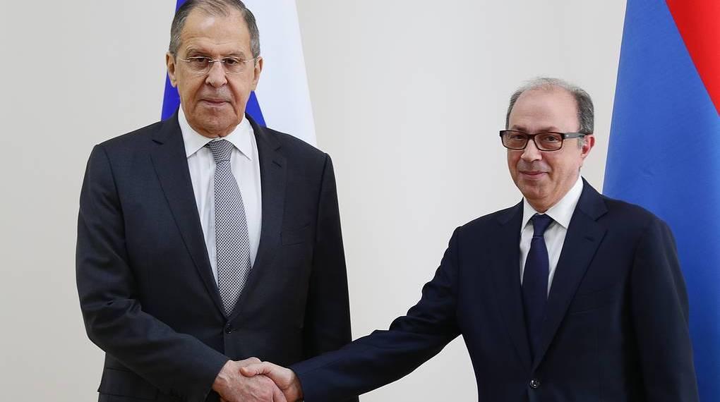 Principais diplomatas russos e arménios assinam memorando de segurança biológica