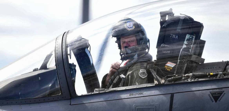 Quatro perguntas com o chefe do Comando de Combate Aéreo
