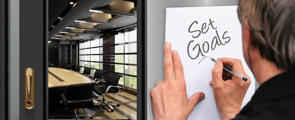 Planning to set up a business while working full-time here's what you need to do.