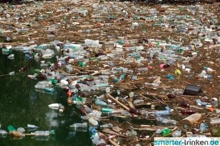 Alternative zum Plastikwahnsinn: Leitungswasser unterwegs auffüllen