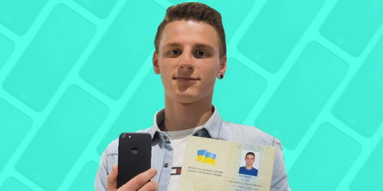 Man Changed Name To ' iPhone 7 ' to Get One For Free