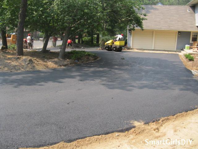 Asphalt driveway install