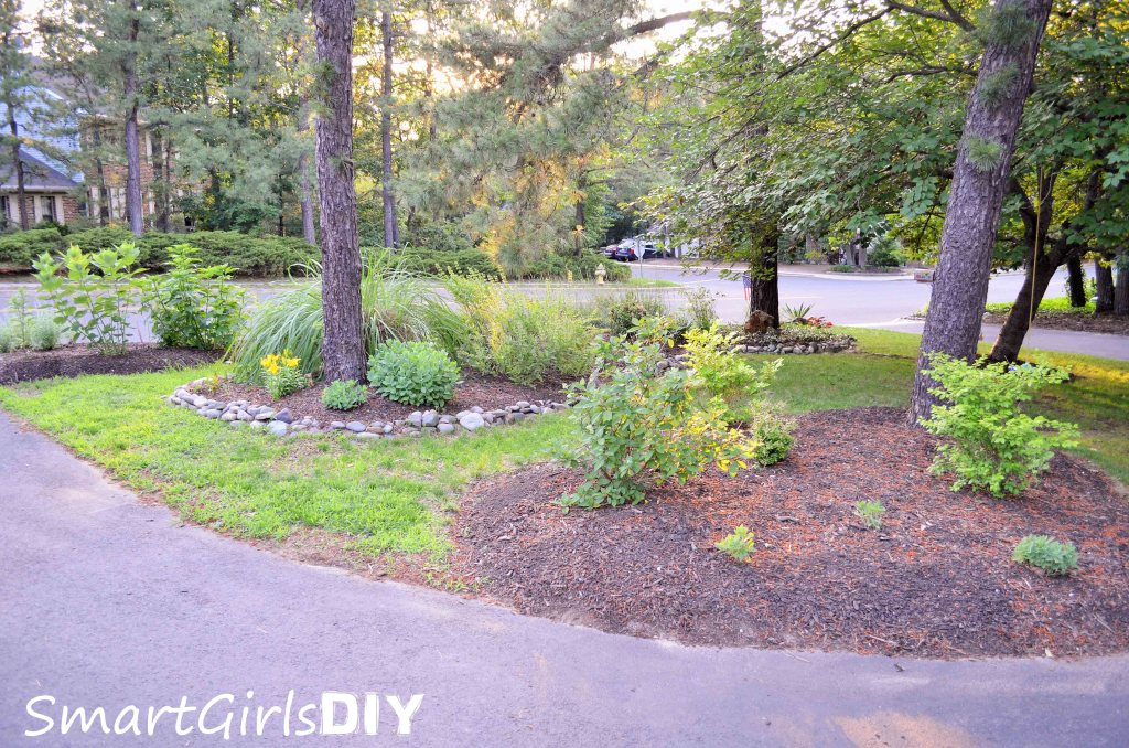 Smart Girls DIY - front yard garden beds