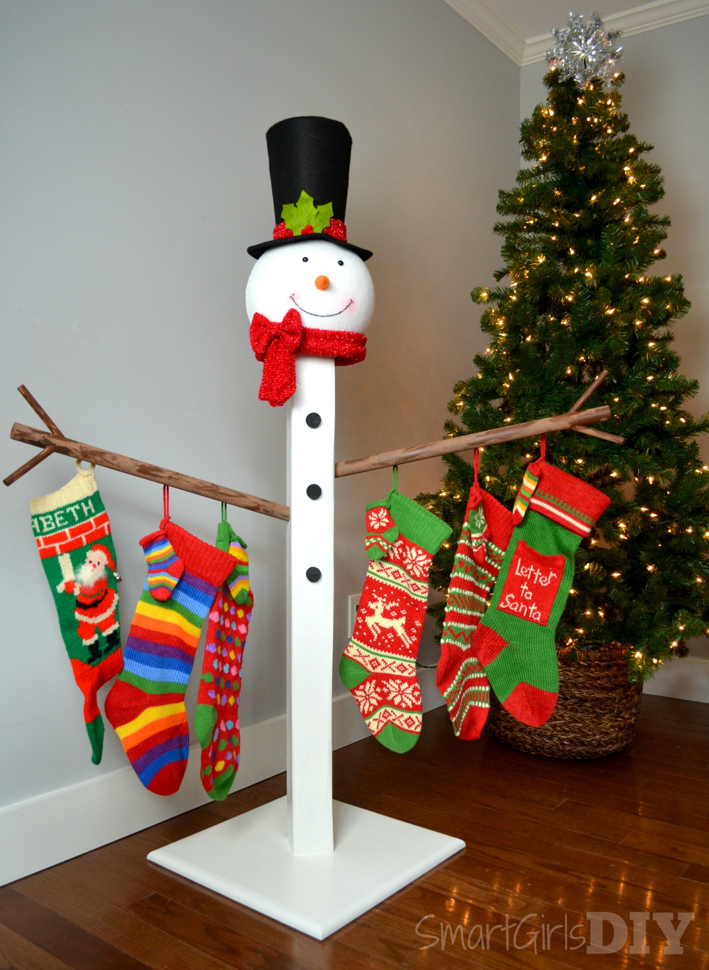 Holiday stocking post from Home Depot DIY workshops