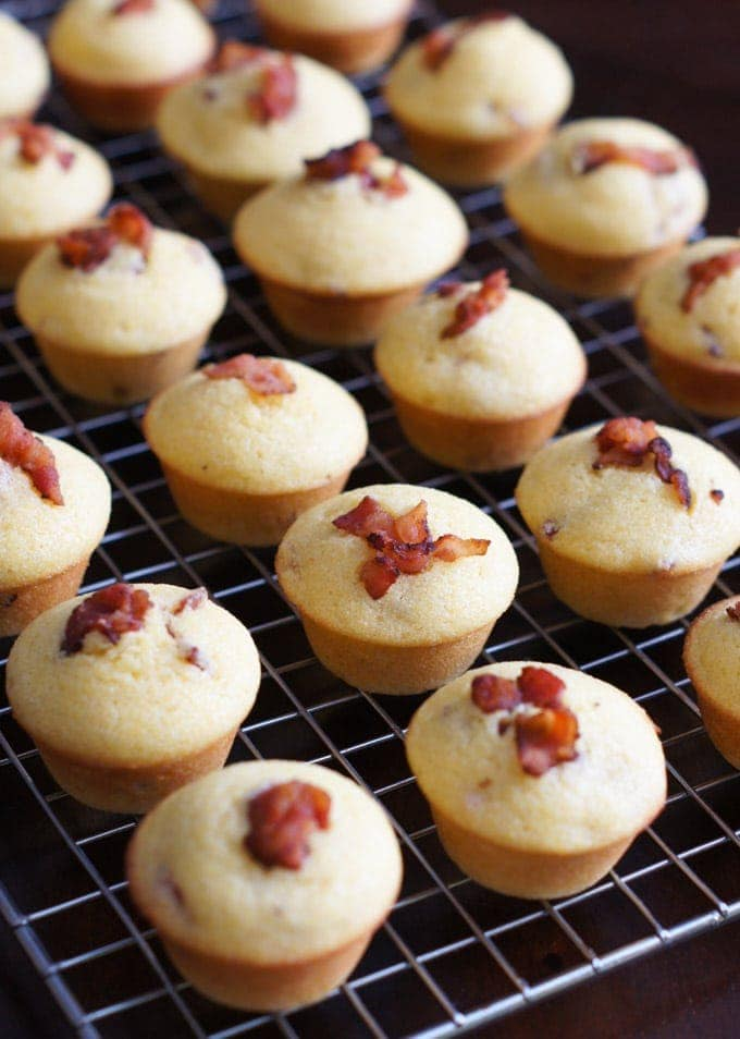 Mini Bacon Corn Muffins | SmartLittleCookie.net