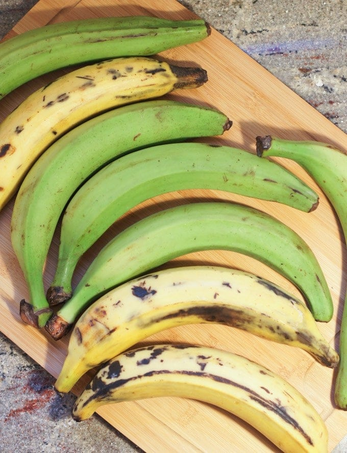 PLANTAIN RECIPES - How to peel plantains | Smartlittlecookie.net