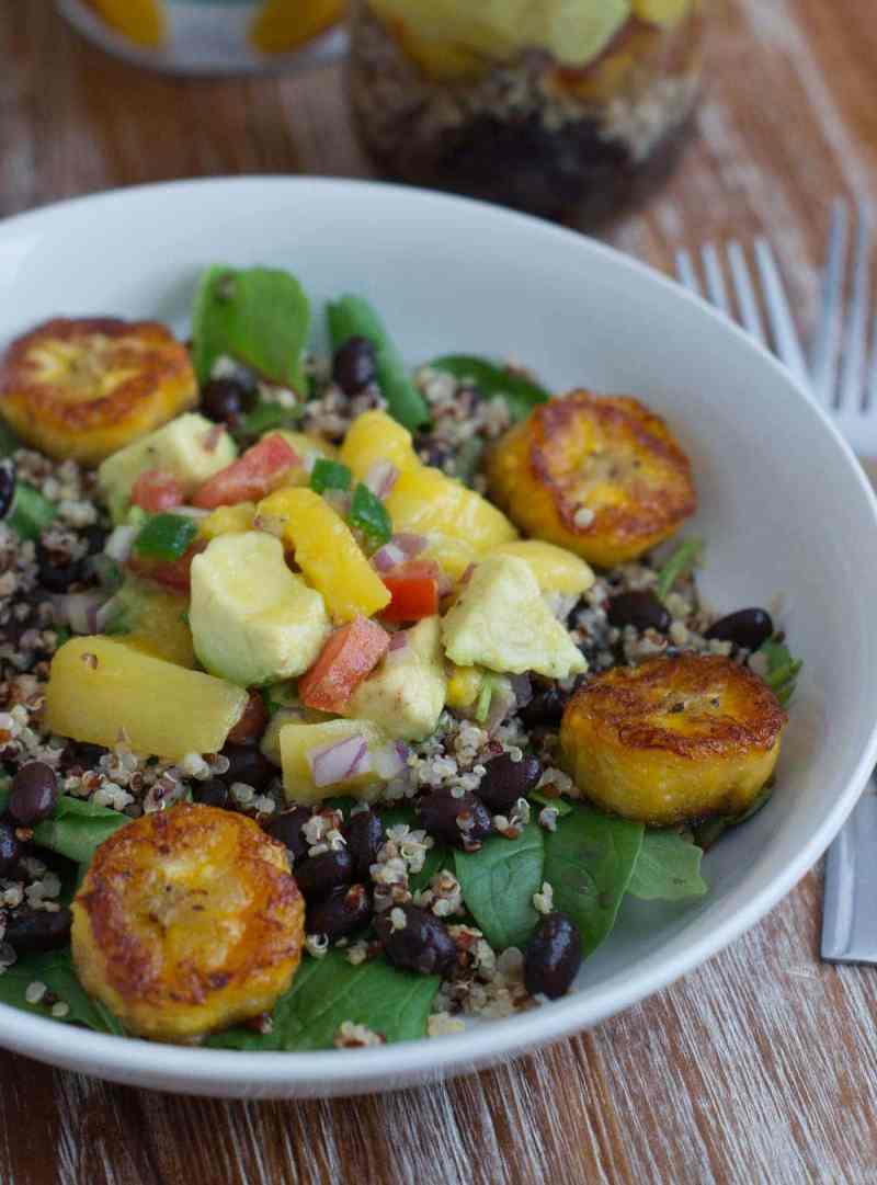 Cuban Style Quinoa Salad with Mango Avocado Salsa ~ A quick and delicious salad for the busy parent on-the-go made with quinoa, black beans, sweet plantains, mixed greens and a yummy mango avocado salsa. #VidaDole #salad #ad www.smartlittlecookie.net
