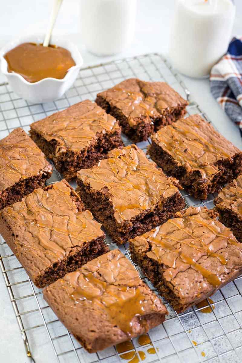 Dulce de Leche Brownies - Smart Little Cookie