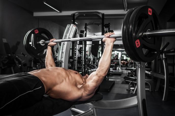 最速で筋肥大をする筋トレBIG3の3つ目のトレーニングのベンチプレス