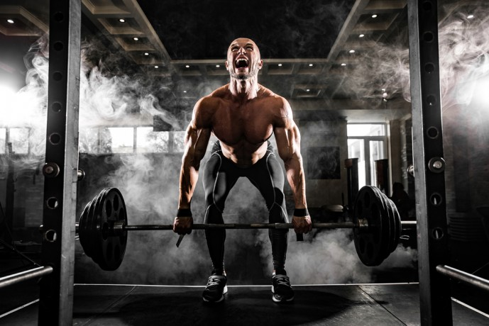 最速で筋肥大するための3つのトレーニングの1つ目のデットリフト