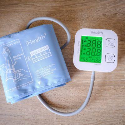 Naramienny i bezprzewodowy ciśnieniomierz iHealth Track