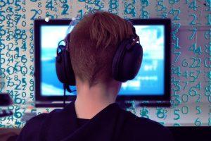 gamer-5979004_1920
