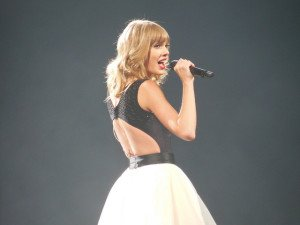 if you want to succeed hustle like taylor swift