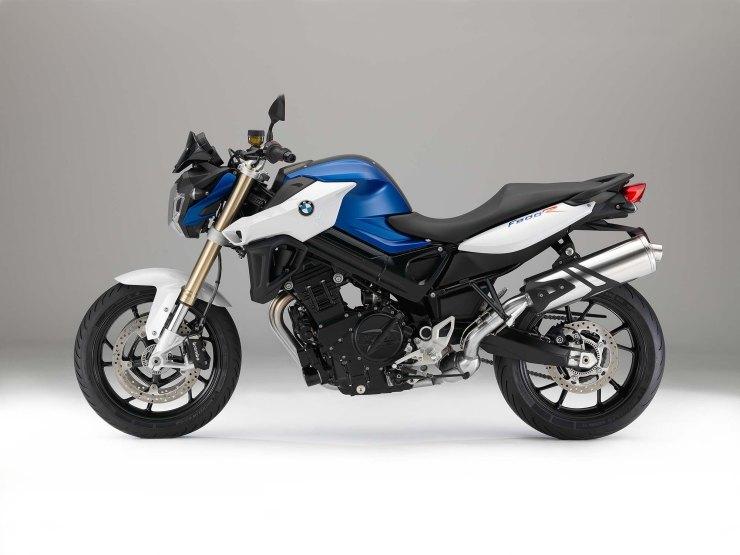 2015-BMW-F800R-studio-36.jpg