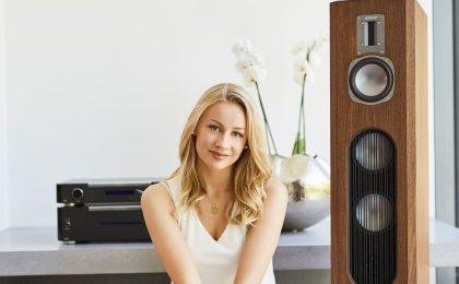Auch kompakte Lautsprecher-Modelle können das Wohnzimmer in einen Konzertsaal verwandeln.