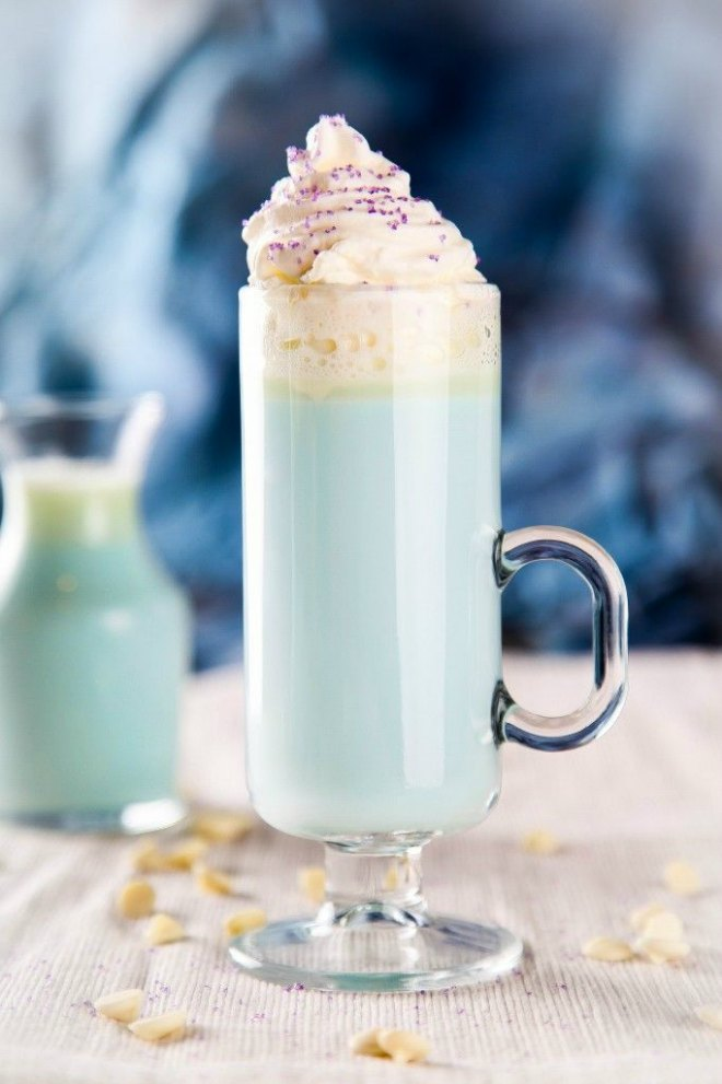 Elsa White Hot Chocolate