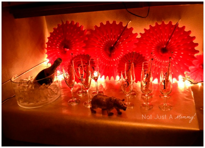 New Years Eve Glamour Party Drinks Table