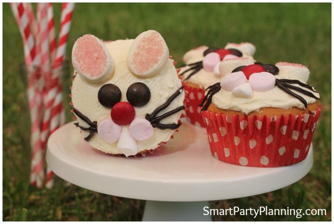 Easter bunny cupcakes are incredibly easy to make and they look fantastic. Follow this step by step tutorial and make these cheeky bunny cupcakes with the kids. If you are looking for an easy dessert that the whole family will love, then this one will be super easy for you.