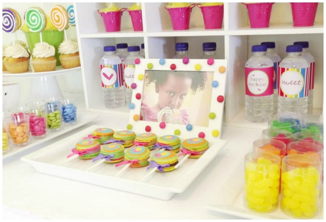 Sweet shoppe party table