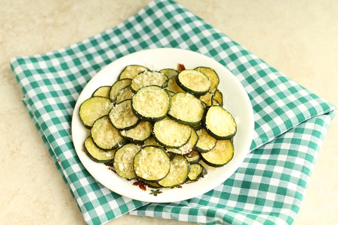 Parmesan Zucchini Bites I Smart Party Planning