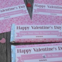 Gorgeous FREE printable Valentine Hershey bar wrappers which are perfect to use as a gift on Valentine's day.  Made to fit Hershey wrappers (1.55oz), they can be used for him, for her or for the kids. They are a quick, easy, and a no mess, no fuss gift!  Isn't that what we are all looking for? The simple things in life are often the best.