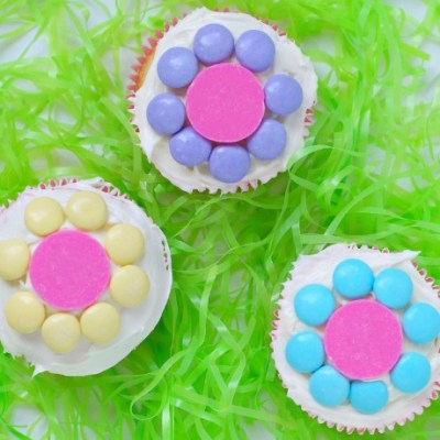 Easy Spring Flower Cupcakes That The Kids Will Love