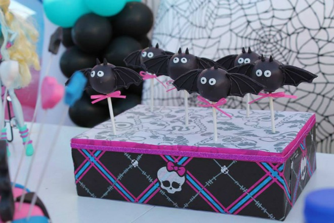 Monster high bat cake pops