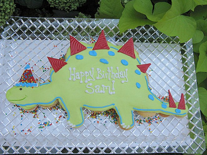 9 of the best easy dinosaur cakes kids will love for How to make a dinosaur cake template