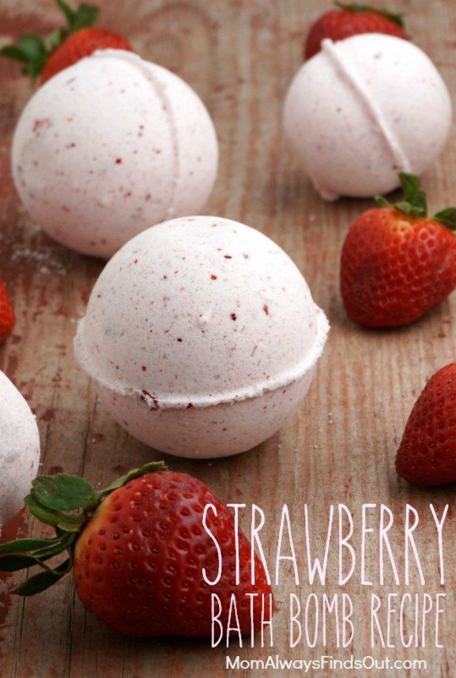 Strawberry bath bombs