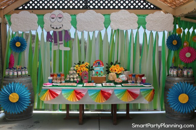 Trolls themed birthday party set up