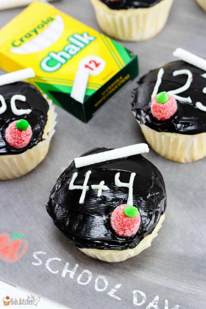 Back to school chalkboard cupcakes