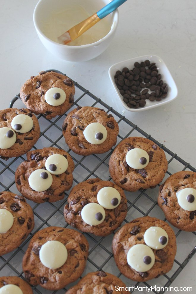 Adding pupils to the monster cookies eyes