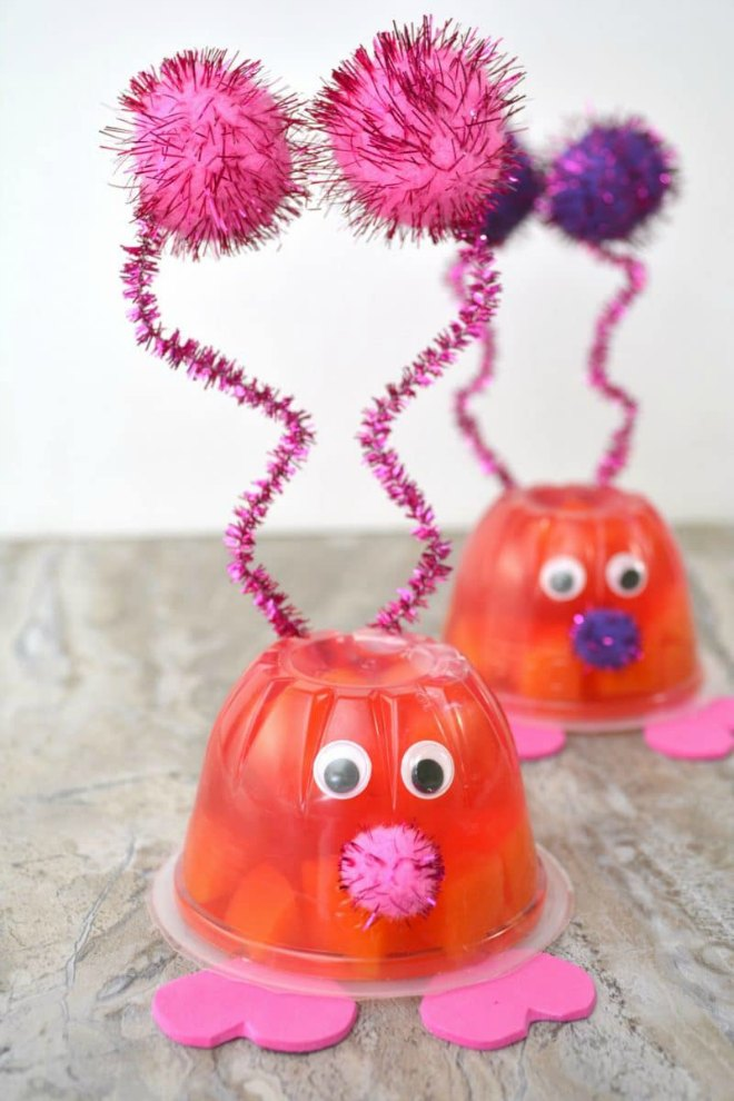 Love-Bug-Valentines-Day-Fruit-Cups