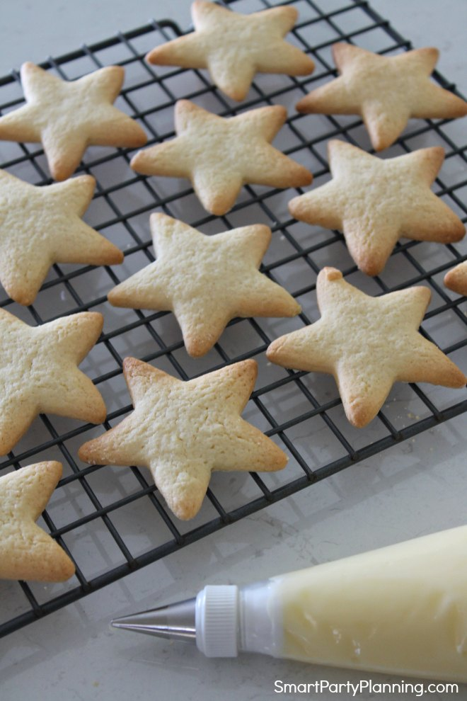 icing for the star cookies