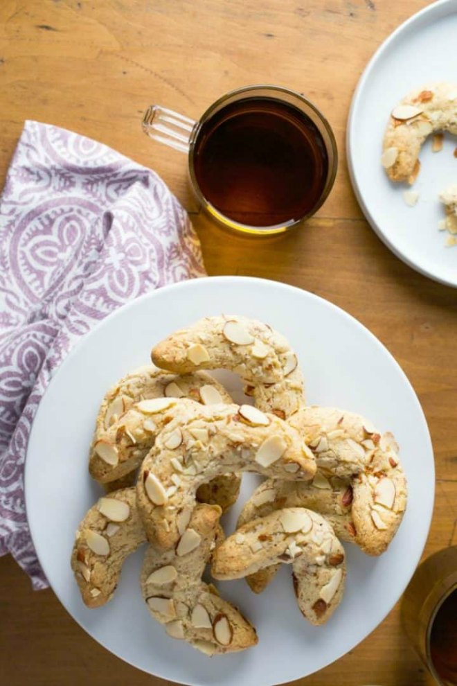 Low-carb-Almond-Crescents