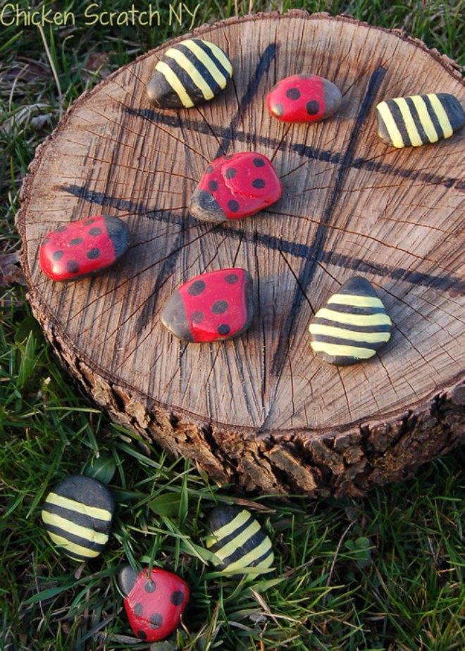 ladybug-vs-bumble-bee tic tac toe