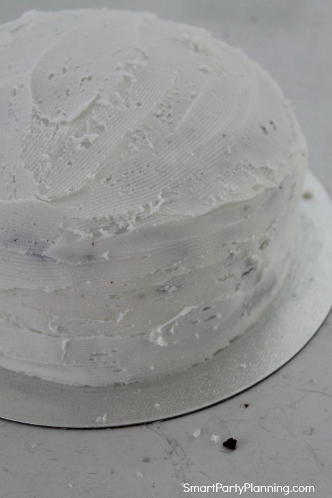 Buttercream crumbs layer