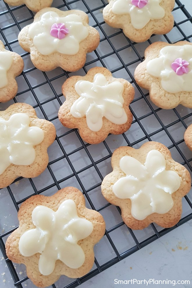 Place sugar flower in the centre of the flower cookie