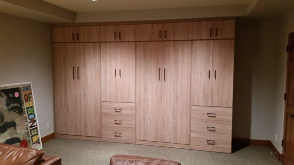 Custom-Built Cabinets - SmartSpaces.com