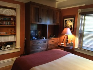 murphy-bed-craft-room-makeover-custom-cabinets