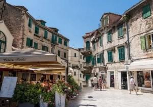 restaurant in split, croatia next to houses