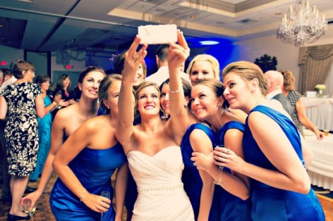 Bride_Group_Selfie