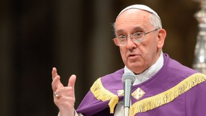 pope-francis-disguise-homeless-rome.si