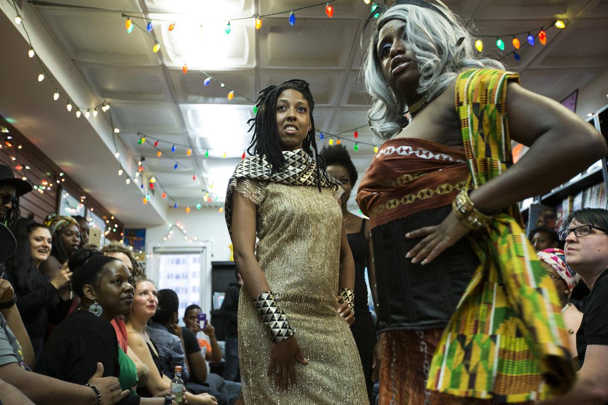 Comics Lowdown: Wakanda fashion show, marketplace celebrates artisans and Black Panther