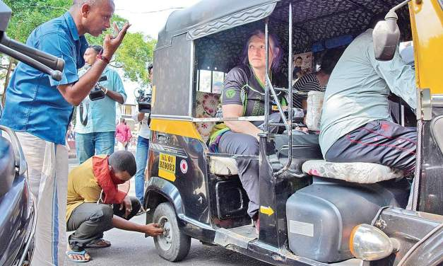 General strike total in state; private vehicles ply amid stray incidents- The New Indian Express