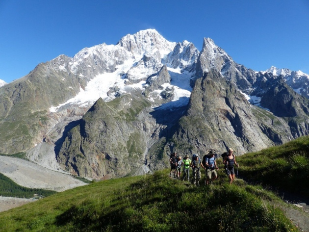 Long-distance hiking on the Grandes Randonnées in France | Holiday ideas | Complete France